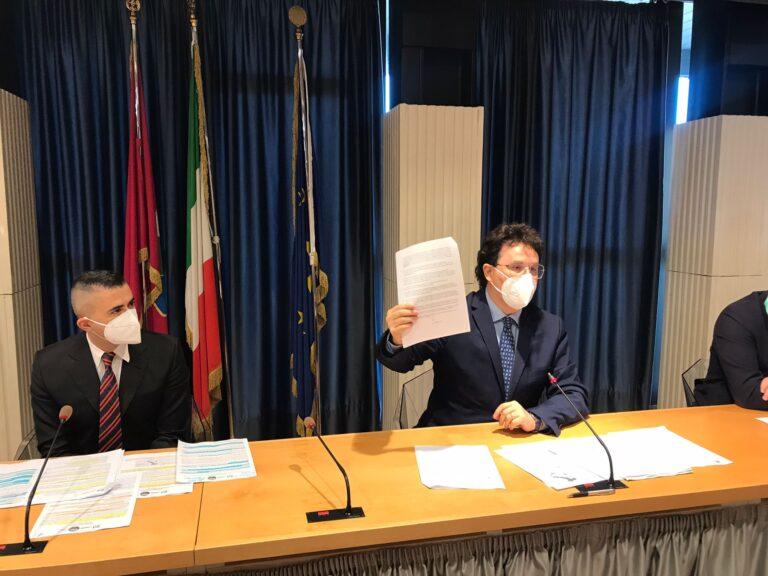Vaccinazioni: Abruzzo ultimo in Italia. L'affondo del centrosinistra VIDEO