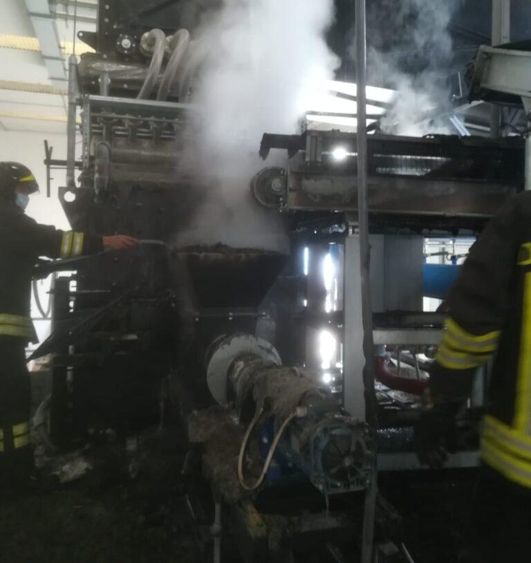 Cellino Attanasio, l'intervento dei vigili del fuoco alla Decem FOTO VIDEO
