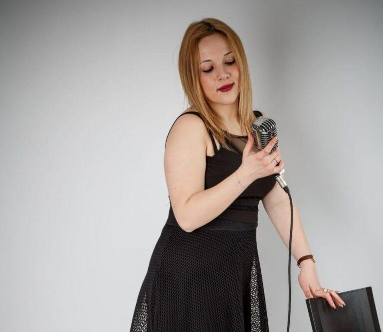 Rimani con me: il nuovo singolo di Ludovica Vitali