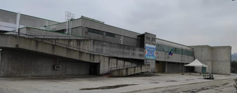 Martinsicuro, conclusi gli interventi di manutenzione al palazzetto
