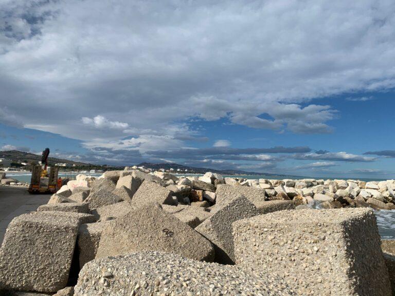 Giulianova, al via i lavori di messa in sicurezza del molo nord del Porto