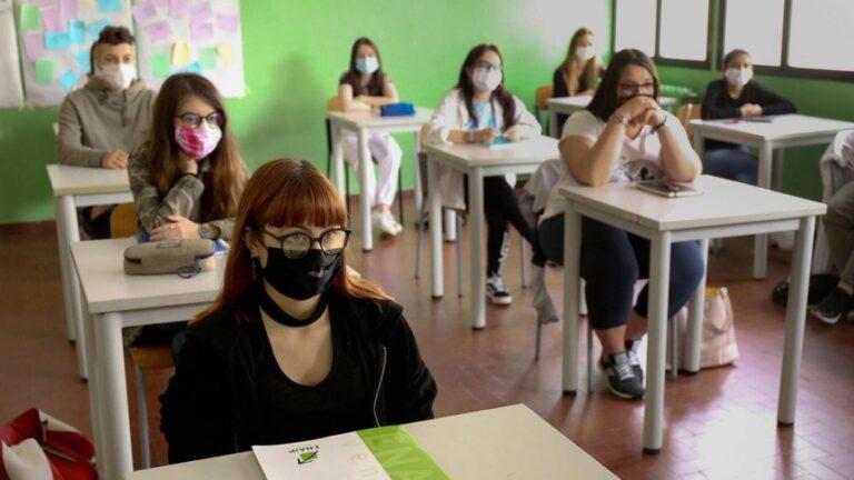 Pescara, covid scuole: 23 positivi su 5400 test