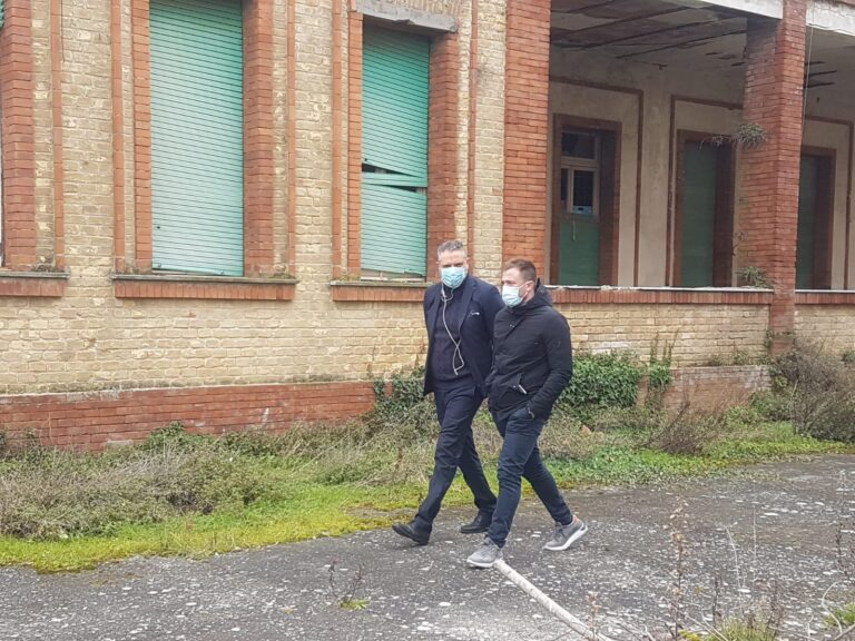 Giulianova, sopralluogo all'ex colonia Rosa Maltoni con il fund manager dell'Invimit Damiani