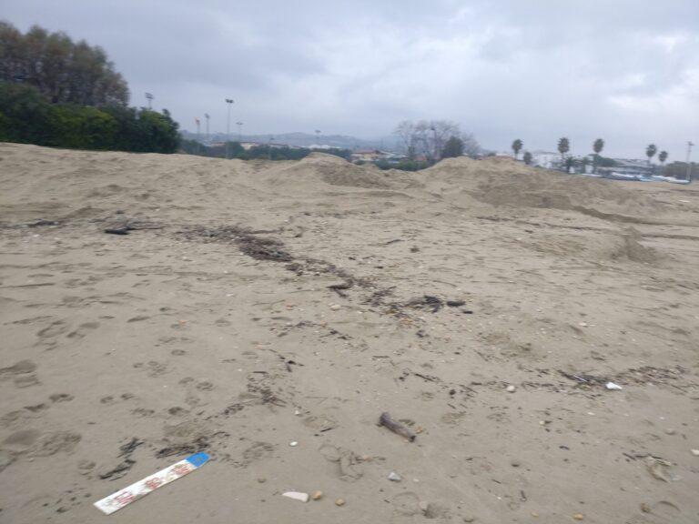 """Tortoreto, dune """"invernali"""" sulla spiaggia: la Regione apre il confronto con i balneatori"""