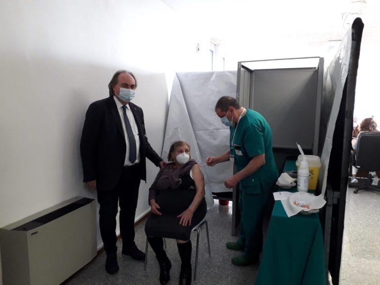 Controguerra, vaccinate le prime 100 persone FOTO VIDEO