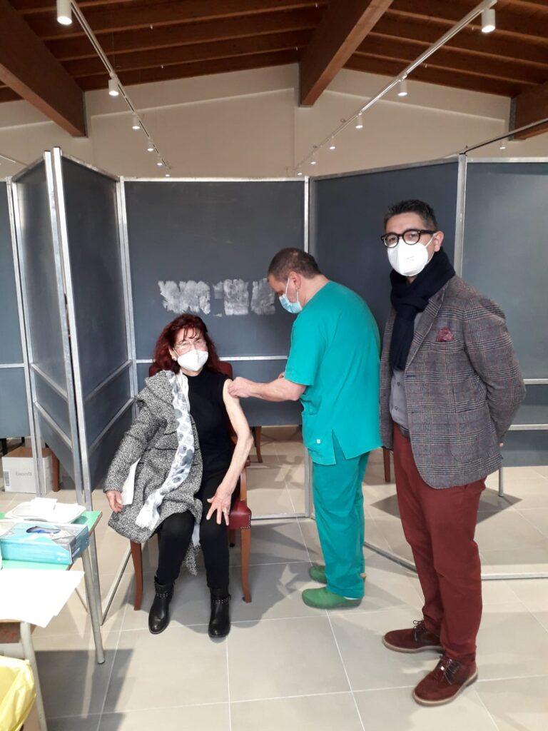 Sant'Omero, over 80: vaccinate oltre 200 persone FOTO VIDEO