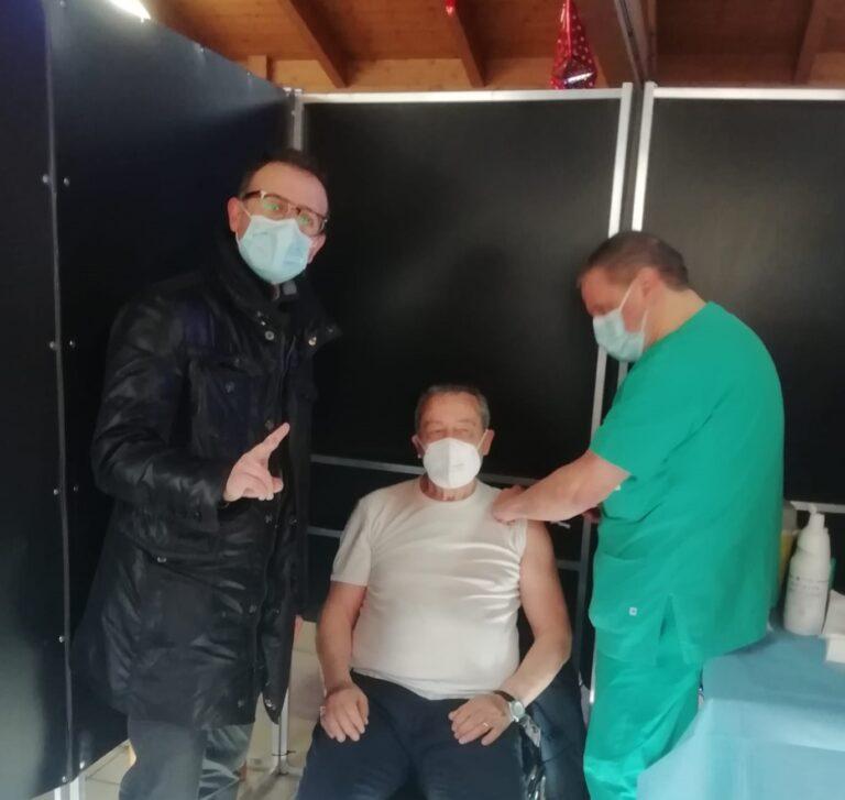 Covid, la campagna vaccinale tocca anche Nereto FOTO VIDEO