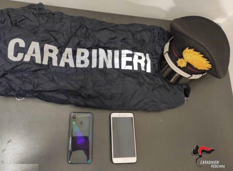 Pescara, paziente ruba due telefoni e poi fugge dall'ospedale: denunciato