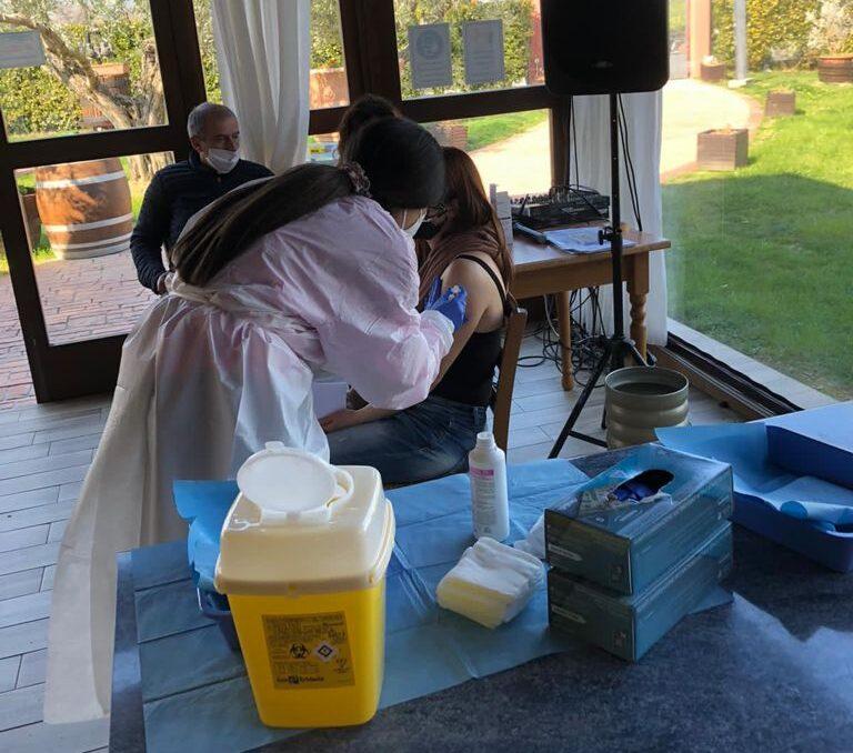 Asp2 Teramo: prima dose di vaccino a utenti, operatori e caregiver di Rurabilandia