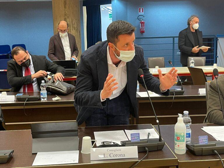 """Teramo, scontro Lancione-Corona in consiglio. La minoranza: """"Consigliere offeso nel silenzio"""""""