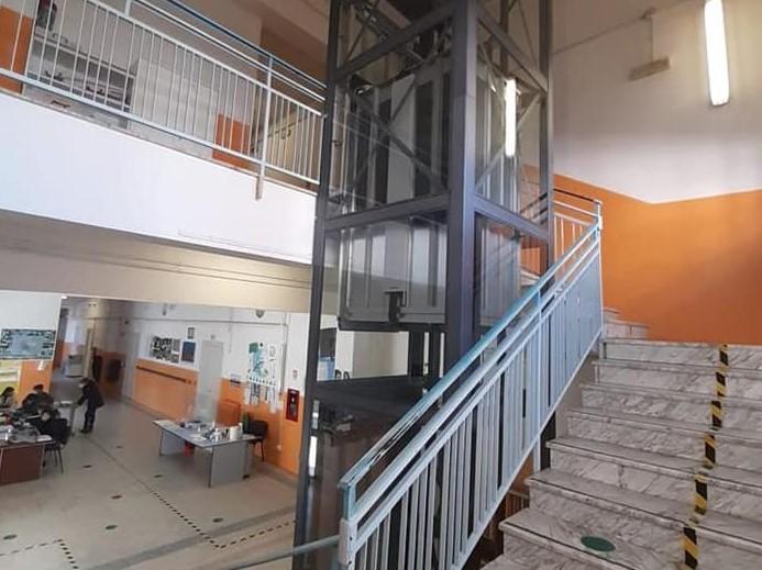 Tortoreto, installato un ascensore nella scuola media