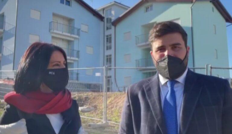 """Sopralluogo alle palazzine Ater di Campo a Mare grazie a Marcone. Il presidente Ceci assicura: """"Lavori ultimati ad agosto"""" NOSTRO SERVIZIO"""