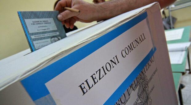 Covid, il voto per i Comuni slitta in autunno