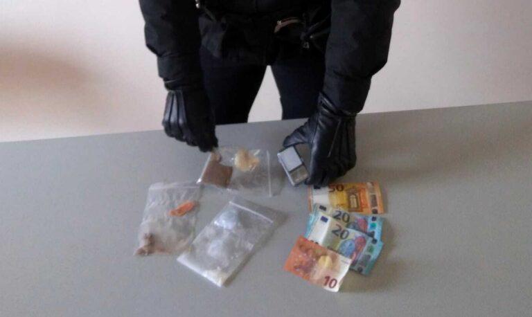 Montesilvano, droga in macchina: arrestata giovane di Cappelle
