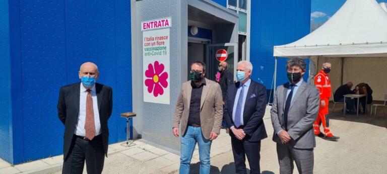 L'Aquila, inaugurata la nuova sede vaccinale a Bazzano