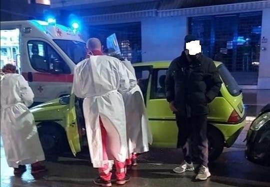 Alba Adriatica, causa incidente all'incrocio: caccia all'auto pirata