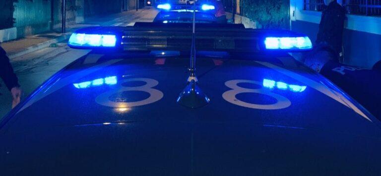 Pescara, ruba attrezzi e occhiali da un'auto: arrestato