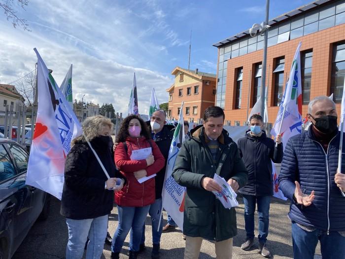 Pescara, focolai covid in carcere: protestano gli agenti del San Donato
