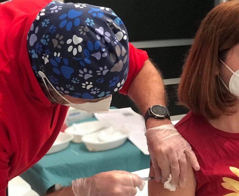 Montesilvano, si infiltrano per fare il vaccino tra il personale scolastico