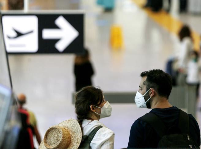 Turismo, D'Amario: assurdo autorizzare viaggi all'estero