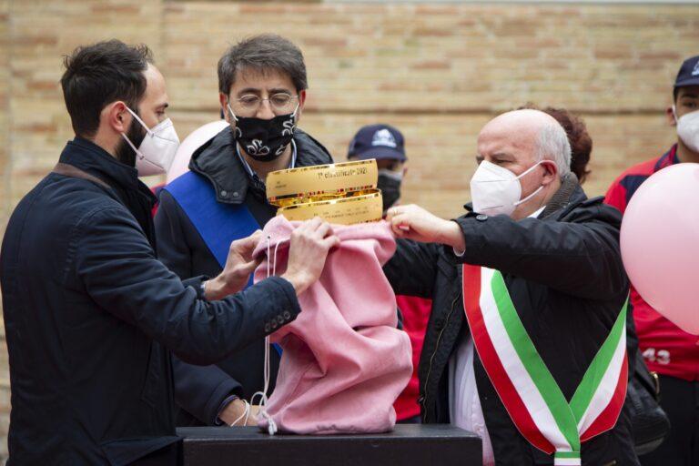 Notaresco, Giro d'Italia: iniziato il mese rosa FOTO