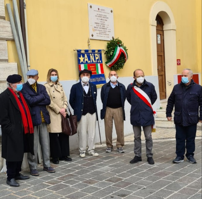 Teramo, partigiani uccisi: l'omaggio in piazza sant'Agostino