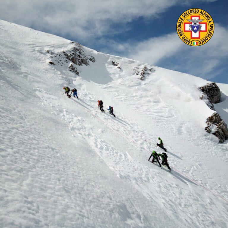 Soccorso alpino: giornata di addestramento sul Gran Sasso FOTO