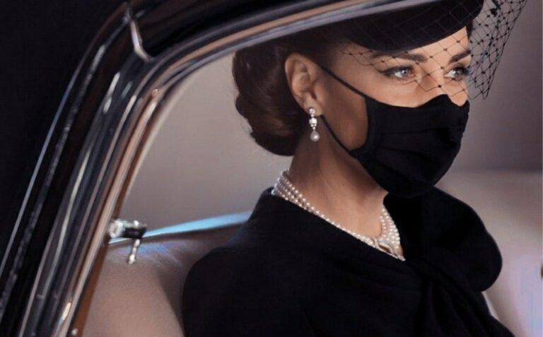 L'addio al principe Filippo. La Regina, Kate e i dettagli sul futuro della Corona
