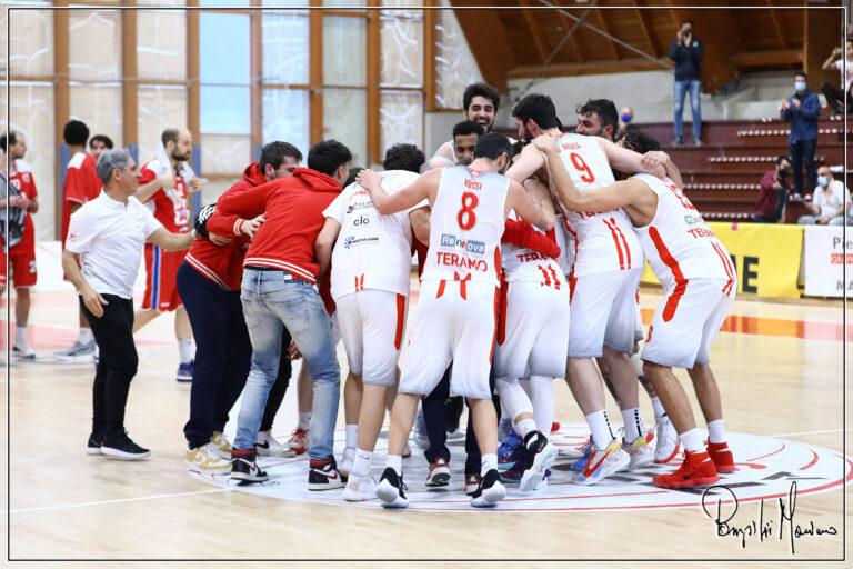 Basket, Rennova Teramo vince lo scontro salvezza: Mestre battuta 76-64