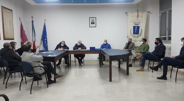 """Colonnella, registrazione del consiglio comunale: il """"taglio"""" che fa discutere"""