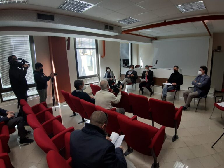 """Cura Abruzzo 1 e 2: """"Alle imprese abruzzesi erogati solo 25 milioni sui 96 promessi. Ritardo sui fondi europei"""""""