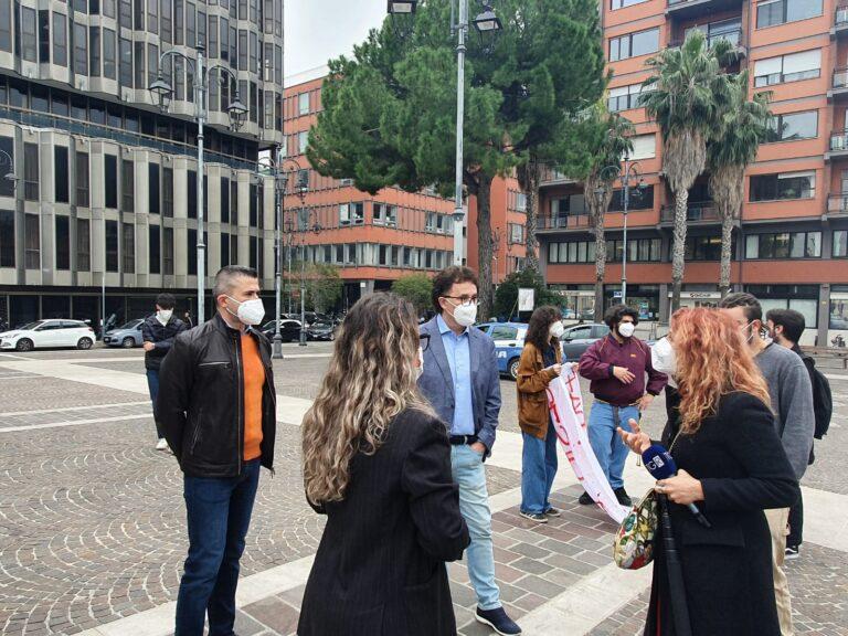 Lo sciopero degli studenti a Pescara: la protesta FOTO