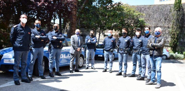 Pescara, si getta dal Ponte del Mare: giovane salvato dalla polizia