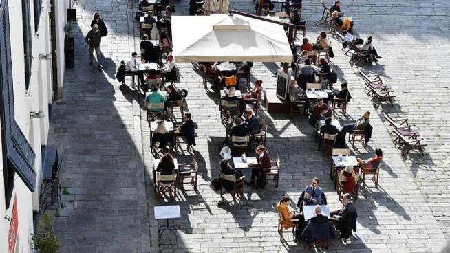 Carta verde per spostarsi e piano delle riaperture: la bozza del nuovo decreto