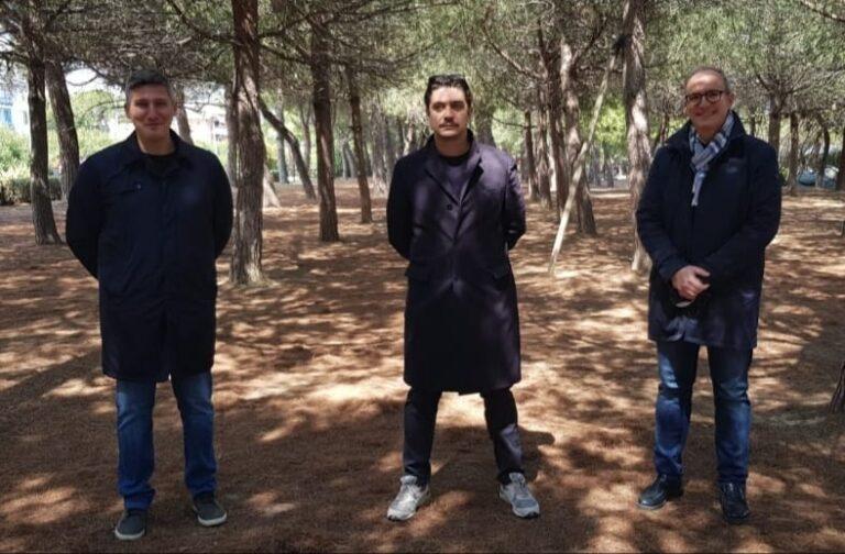 L'attore Riccardo Scamarcio ha fatto tappa a Pineto FOTO