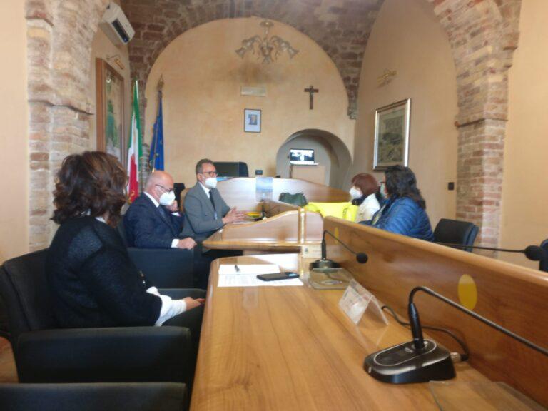 Tortoreto, le linee guida del polo scolastico: si torna all'area di via Napoli VIDEO
