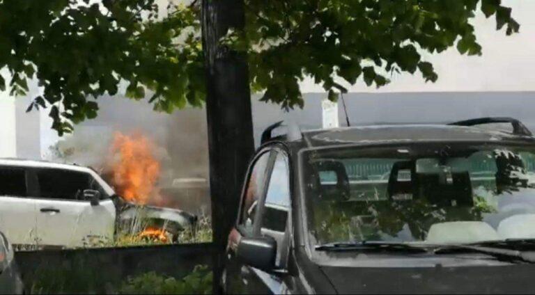 Mosciano, auto a fuoco nei pressi dello stabilimento Amadori VIDEO