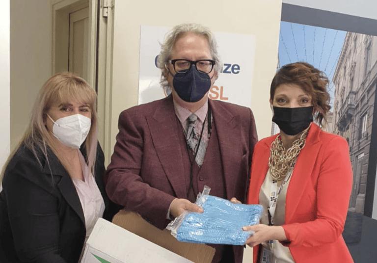 Teramo, Giornata dell'Infermiere. Fratelli d'Italia dona cuffie chirurgiche alla Asl