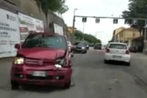 Teramo, incidente lungo via Po: feriti lievi VIDEO
