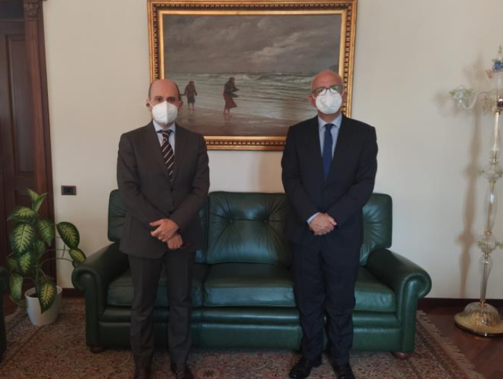 Nuovi rapporti tra Teramo e Lituania: il Console in visita in Prefettura