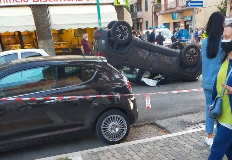 Pescara, auto si ribalta nella zona dell'ospedale: gravissima una donna FOTO