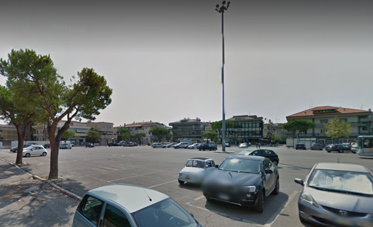 Alba Adriatica, riportare il mercato in piazza del Popolo: la raccolta firme