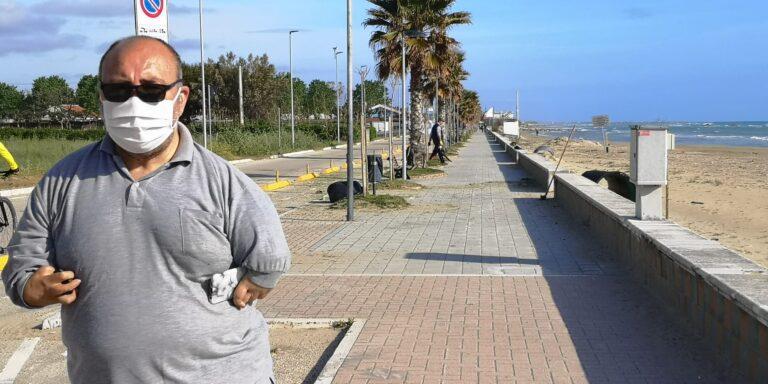 """Cologna Spiaggia, volontari dell'associazione """"Progetto Insieme"""" ripuliscono un tratto del lungomare NOSTRO SERVIZIO"""
