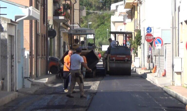 Roseto, nuovo asfalto nelle vie interne. E nelle frazioni l'assessore Petrini assicura le manutenzioni NOSTRO SERVIZIO