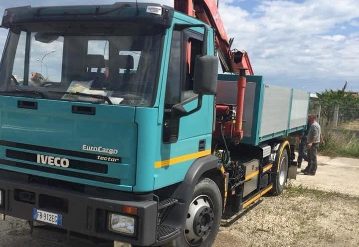 Sant'Egidio, furto nel cantiere: rubati camion e mini escavatore