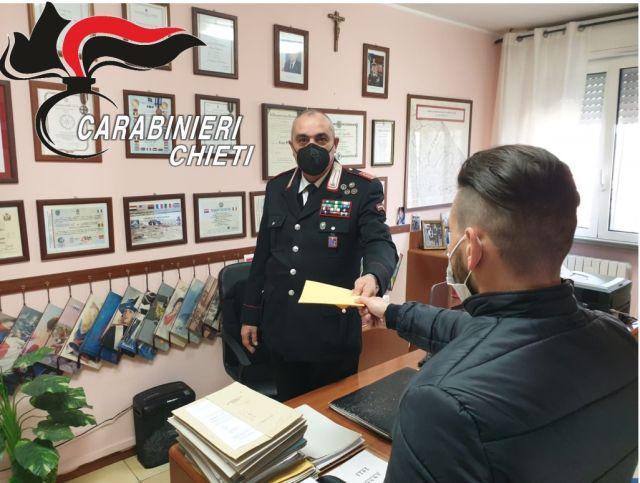 Sambuceto, trova denaro al bancomat: consegna la somma ai Carabinieri che trovano il legittimo proprietario