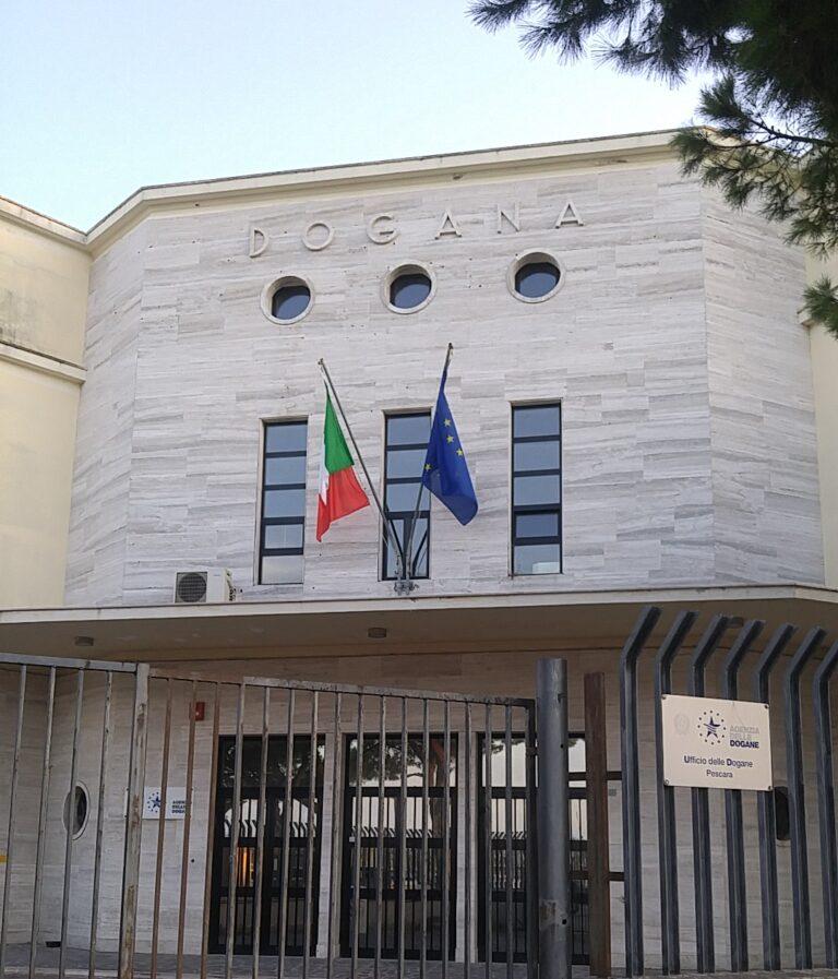 Pescara, tentavano di esportare rifiuti in Albania: merce sequestrata