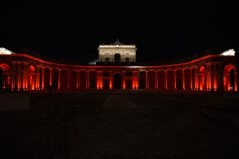 Croce Rossa: l'Emiciclo si illumina di rosso