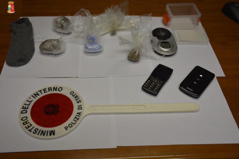 Teramo, arrestate due casalinghe che spacciano droga