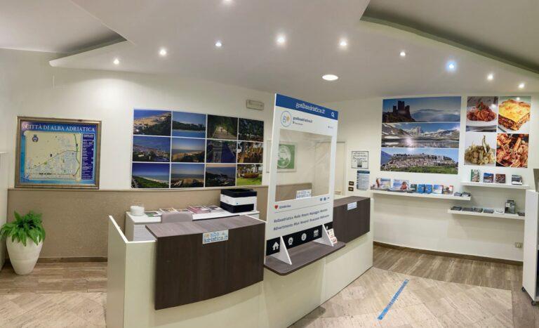 Alba Adriatica, torna operativo l'uffico turistico nella rotonda Nilo